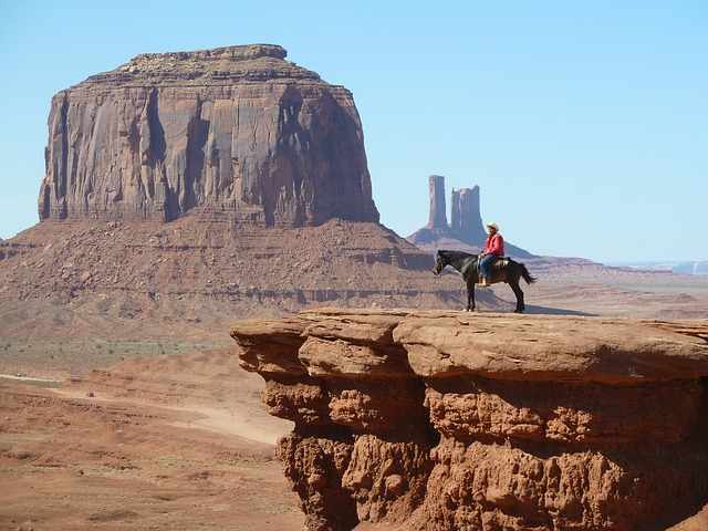 monument-valley-618363_640