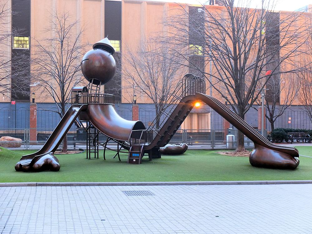 Sejour reussi avec des enfants a New York- silver towers playground